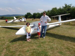 Suhail, Selma and Laith by a glider